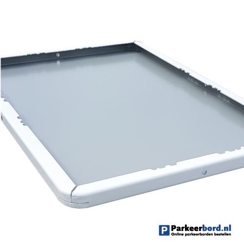 bord_met_dubbel_omgezette_rand-60x40cm-achter